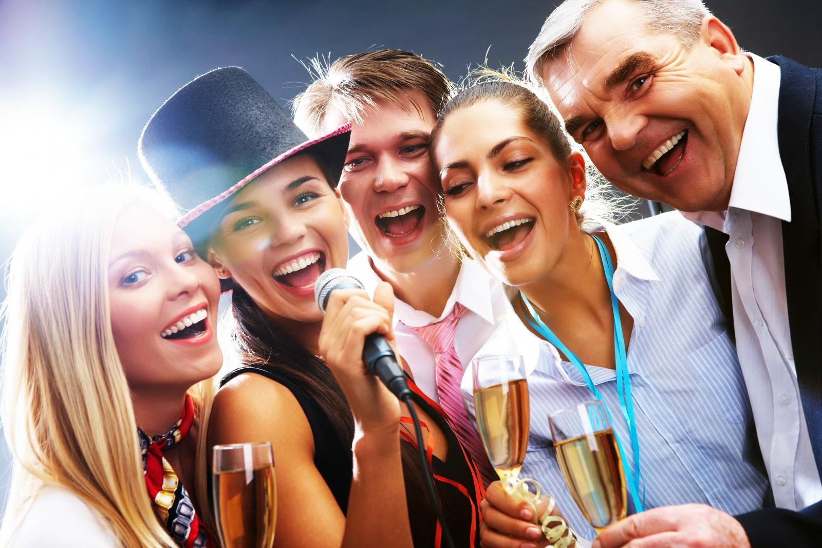 Прикольный Сценарий Новогодней вечеринки для взрослых «Желания»