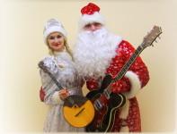 Сценарий поздравления Деда мороза и Снегурочки на корпоративе